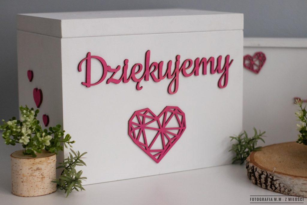 puedlko na koperty obraczki zdjecia 20 1024x683 - Pudełka w pakiecie do reportażu ślubnego.
