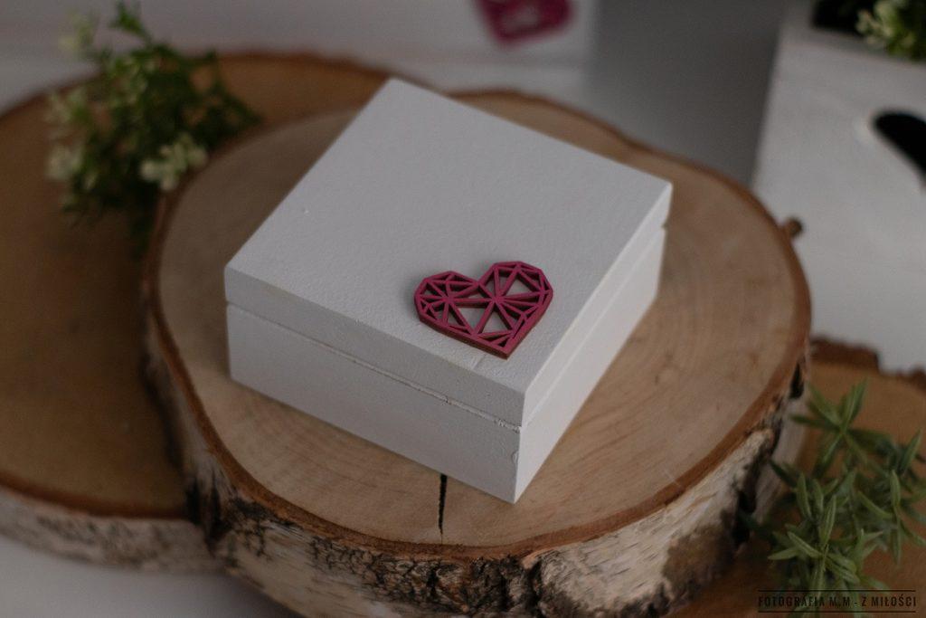puedlko na koperty obraczki zdjecia 22 1024x683 - Pudełka w pakiecie do reportażu ślubnego.