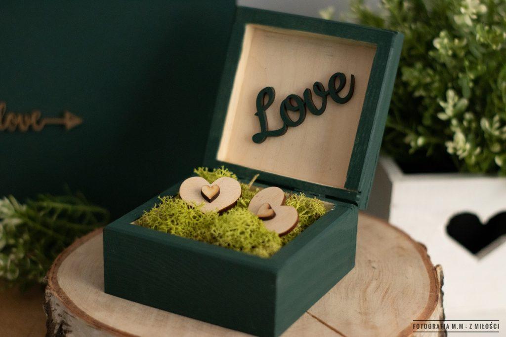 puedlko na koperty obraczki zdjecia 3 1024x683 - Pudełka w pakiecie do reportażu ślubnego.