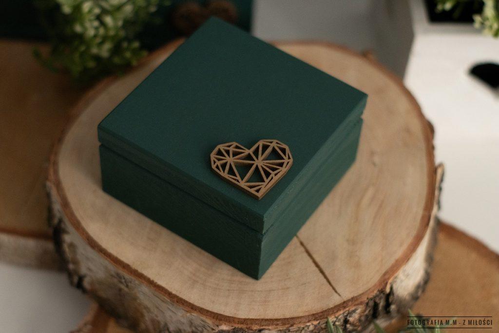 puedlko na koperty obraczki zdjecia 4 1024x683 - Pudełka w pakiecie do reportażu ślubnego.
